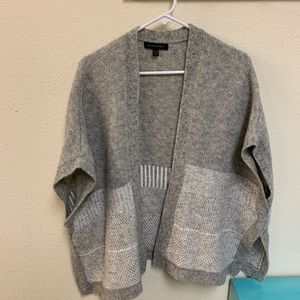 Banana Republic Merino Wool sweater poncho xs/s